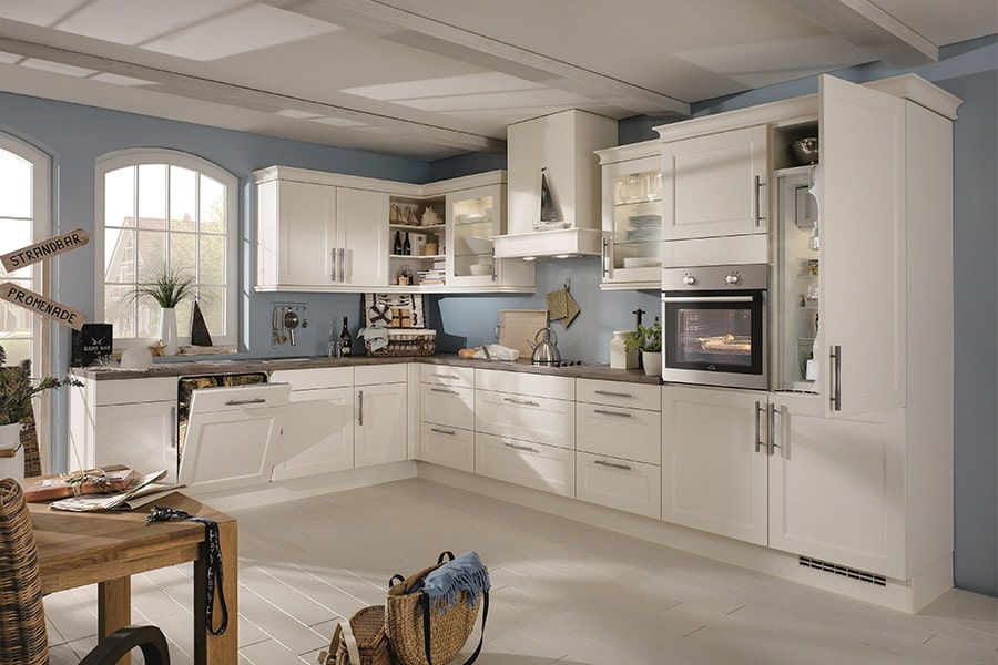 Landhaus Küchen — Möbel Henrich
